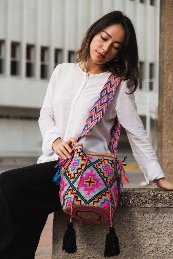 wakacyjna kolorowa torebka w stylu boho mochila