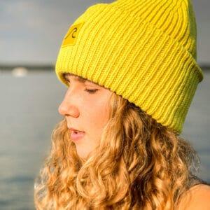żółta czapka beanie z wełny merynosów to ciepły i super modny dodatek do naszych jesiennych stylizacji