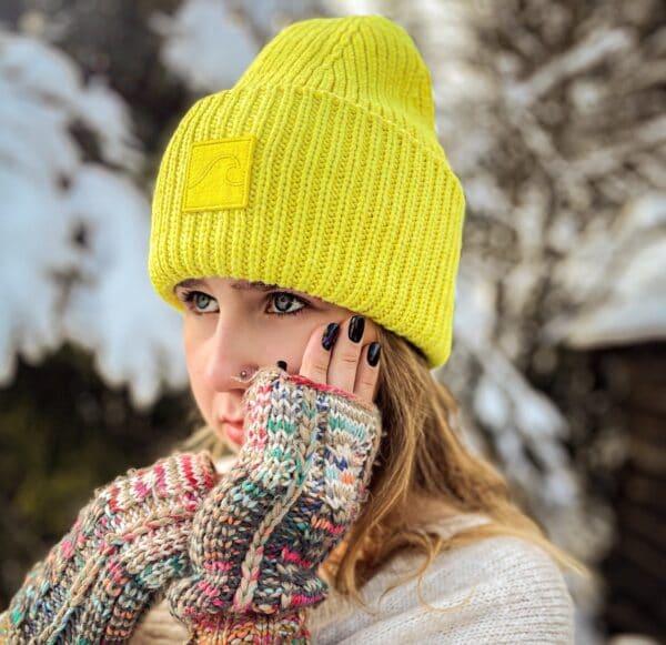 żółta fluo czapka beanie zimowa narciarska