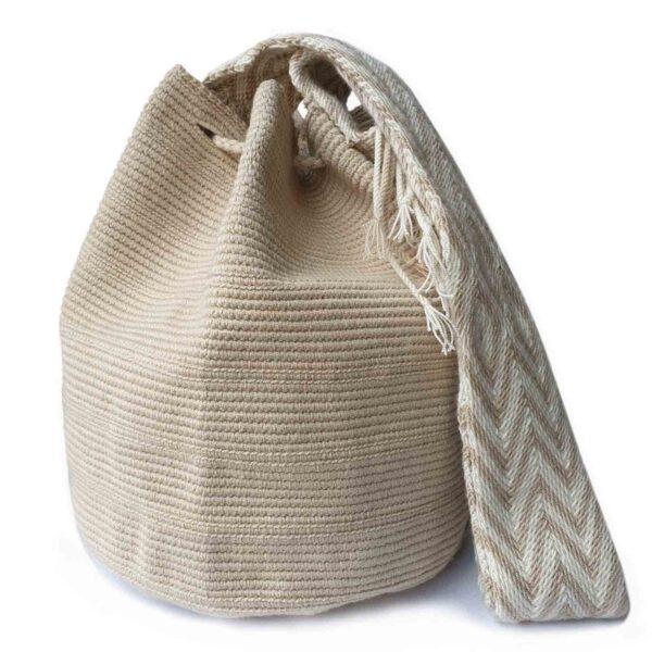 beżowa wakacyjna plecioną torebka