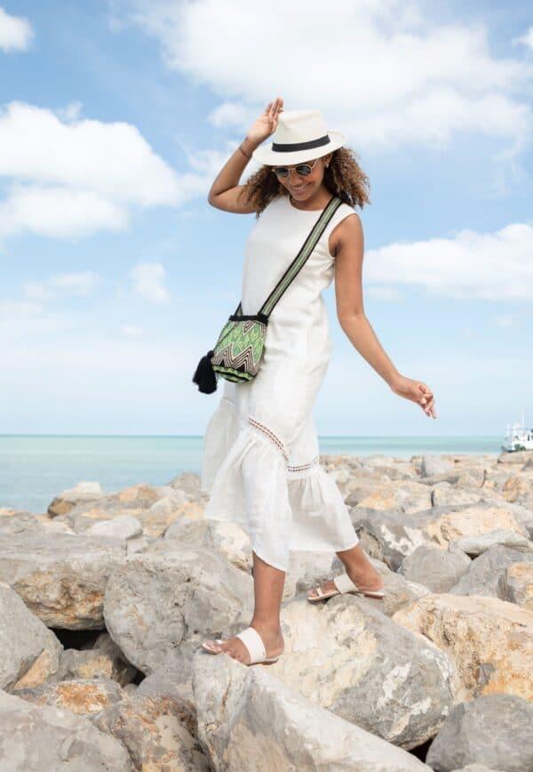 mini torebka z pomponami wakacyjna letnia