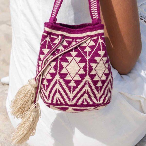 mini torebka różowo biała z pomponami mochila